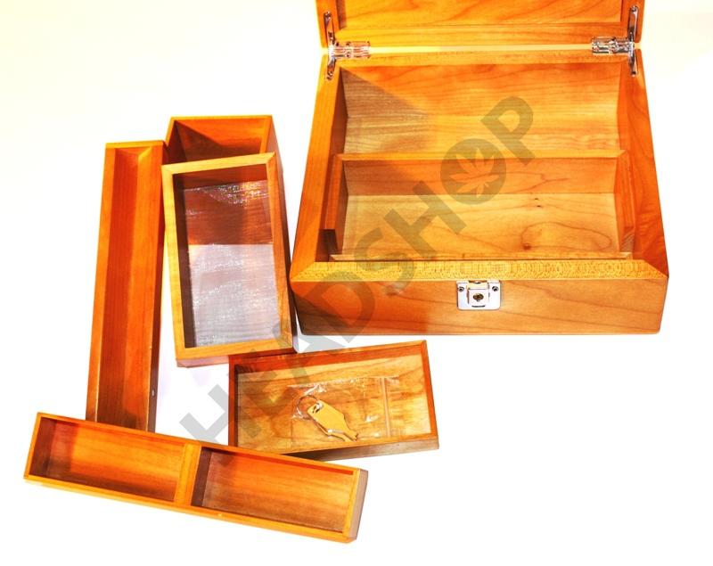 Intérieur de la boite en bois T4