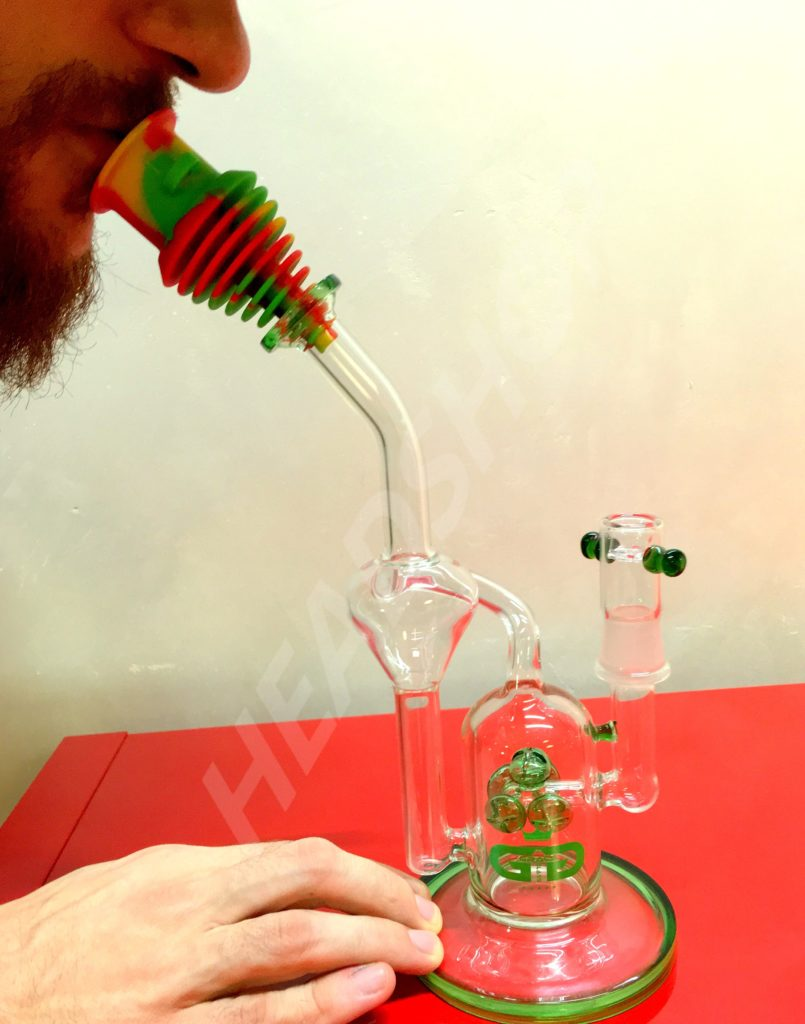 Le bec en silicone s'adapte sur tous les bubblers.